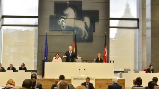 Landtag schmal
